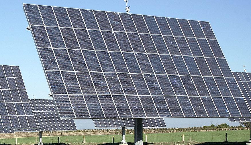 Auxime, desarrollo sostenible. Planta fotovoltaica